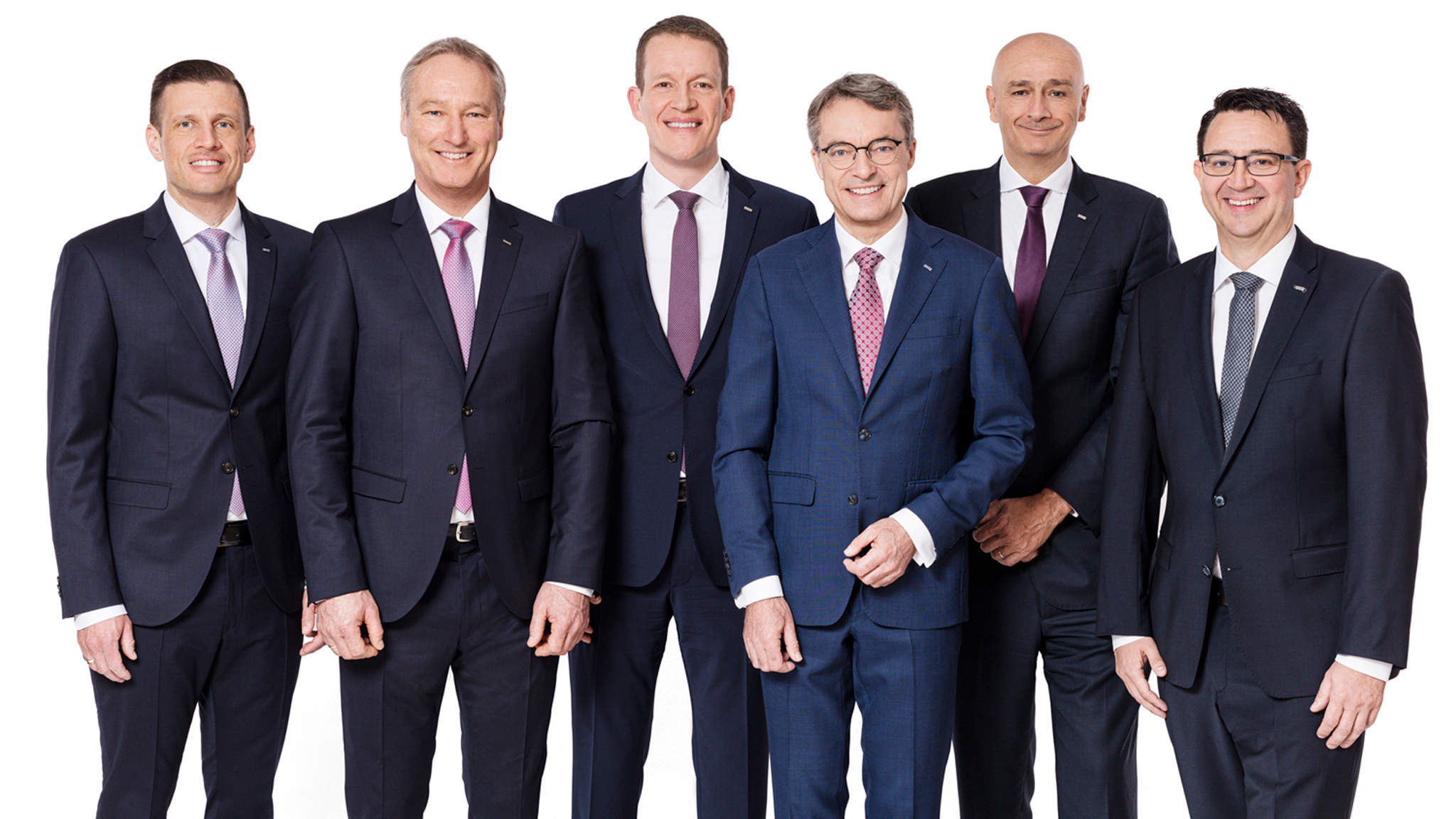 v.l.n.r: Alexander Tonn, Managing Director European Logistics Germany (ab 1.1.2021 COO Road Logistics), Michael Schilling, COO Road Logistics; Burkhard Eling, CFO (ab 1.1.2021 CEO); Bernhard Simon, CEO; Edoardo Podestà, COO Air & Sea Logistics; Stefan Hohm, Corporate Director Corporate Solutions, Research & Development (ab 1.1.2021 CDO)